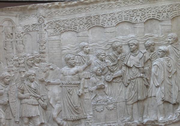 Копија рељефне представе са Трајановог стуба