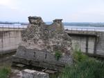 Први речни стуб Трајановог моста са румунске стране